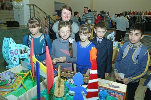 Кстати, зрители этой выставки многие детские идеи брали на карандаш.